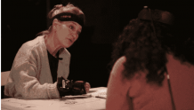 英国国家剧院运用虚拟现实和动作捕捉技术拉近观众与演员的距离